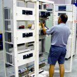 Montaje-de-cuadros-electricos-en-la-empresa